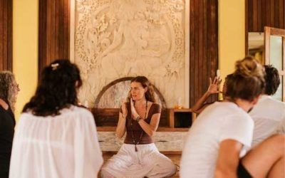 5 Reasons to Invest in a Yoga Teacher Training Course